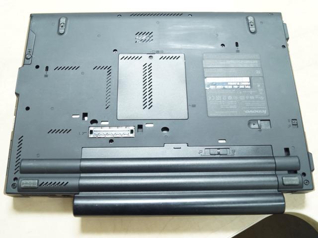 Изглед отдолу на Lenovo ThinkPad T410
